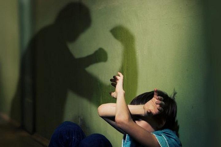 ВИжевске мужчина напал сножом наребёнка