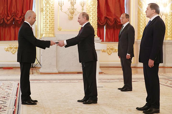Иностранных послов в РФ  «небудут чураться»— Путин