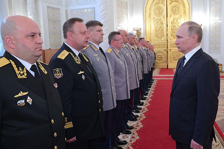 Главный спасатель региона принял участие вцеремонии представления высших офицеров В. В. Путину