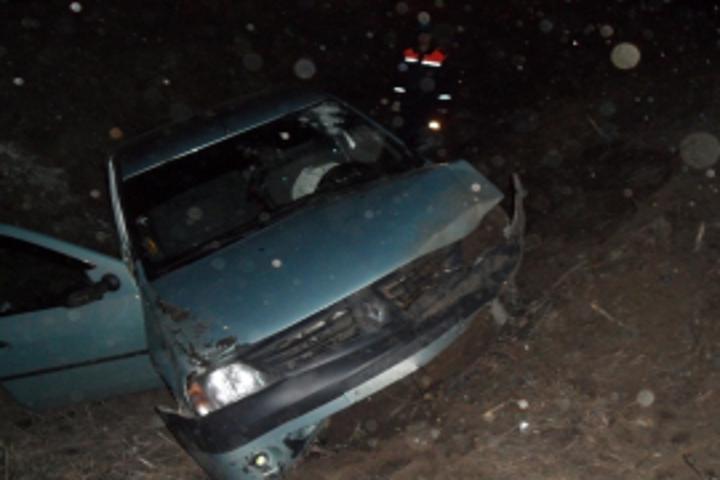 Ночью вКурске перевернулся автомобиль «Рено»: погибла женщина