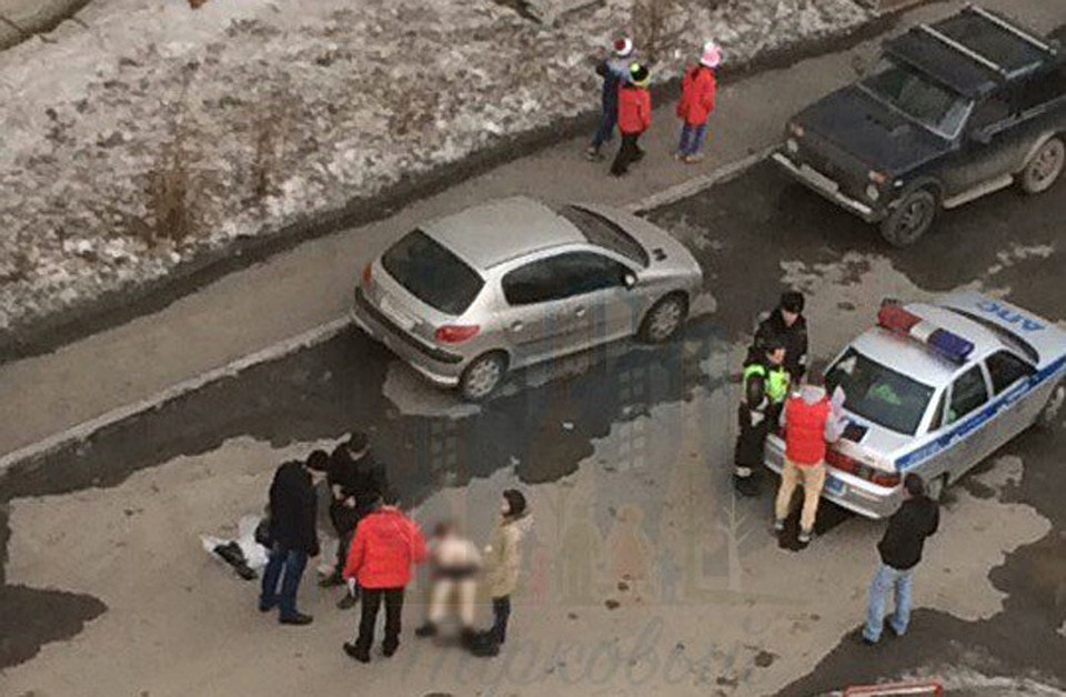 Мужчина насмерть забил конкурента доской водворе в«Парковом»