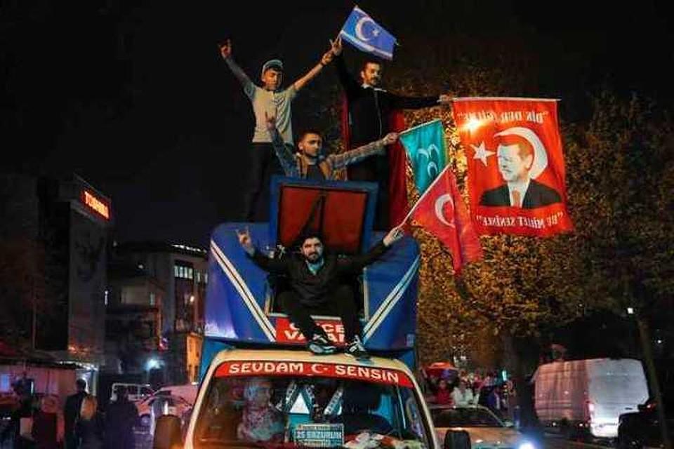 ВГермании сообщили онеобходимости остановить переговоры овступлении Турции вЕС