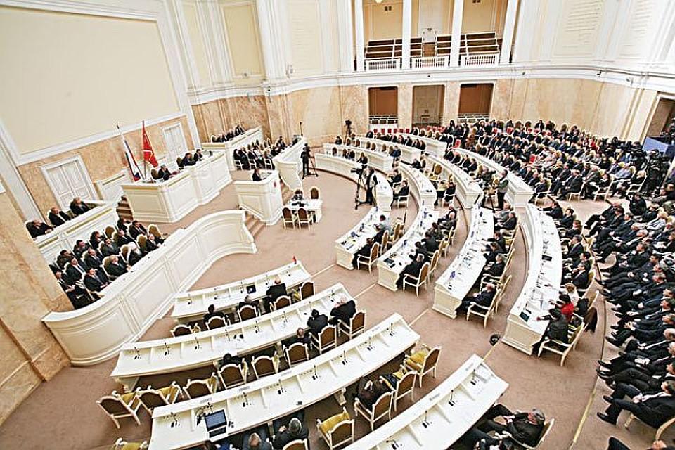 Петербургские народные избранники  всрочном порядке меняют закон овыборах губернатора