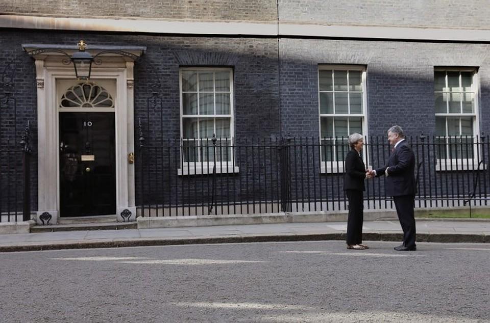 Мэй предлагает Порошенко усилить участие Лондона вреформах вгосударстве Украина