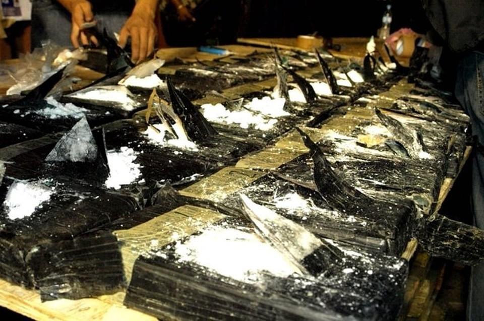 Полиция Италии нашла на берегу 200 килограммов кокаина