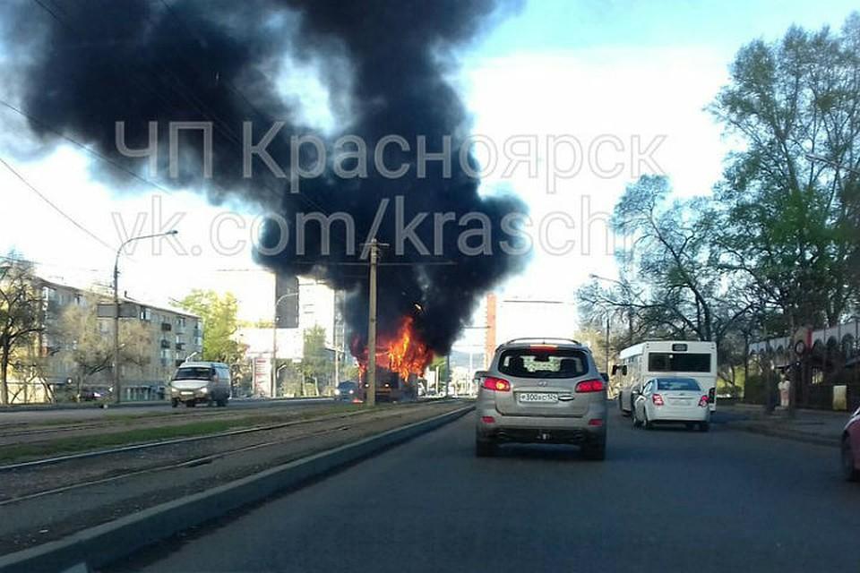 Огонь уничтожил очередной трамвай вКрасноярске