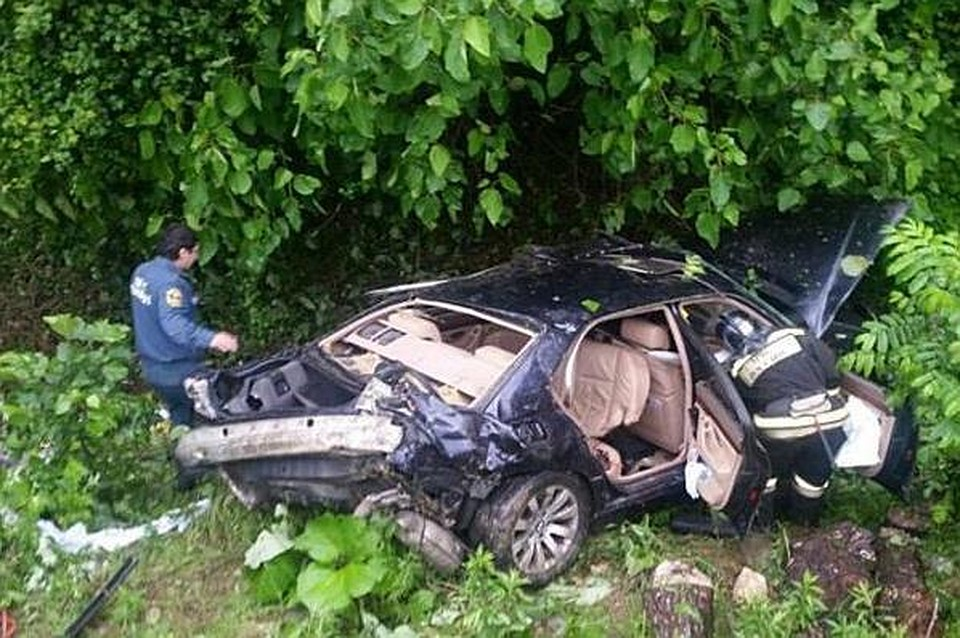 ВСочи иностранная машина улетела вобрыв, шофёр умер