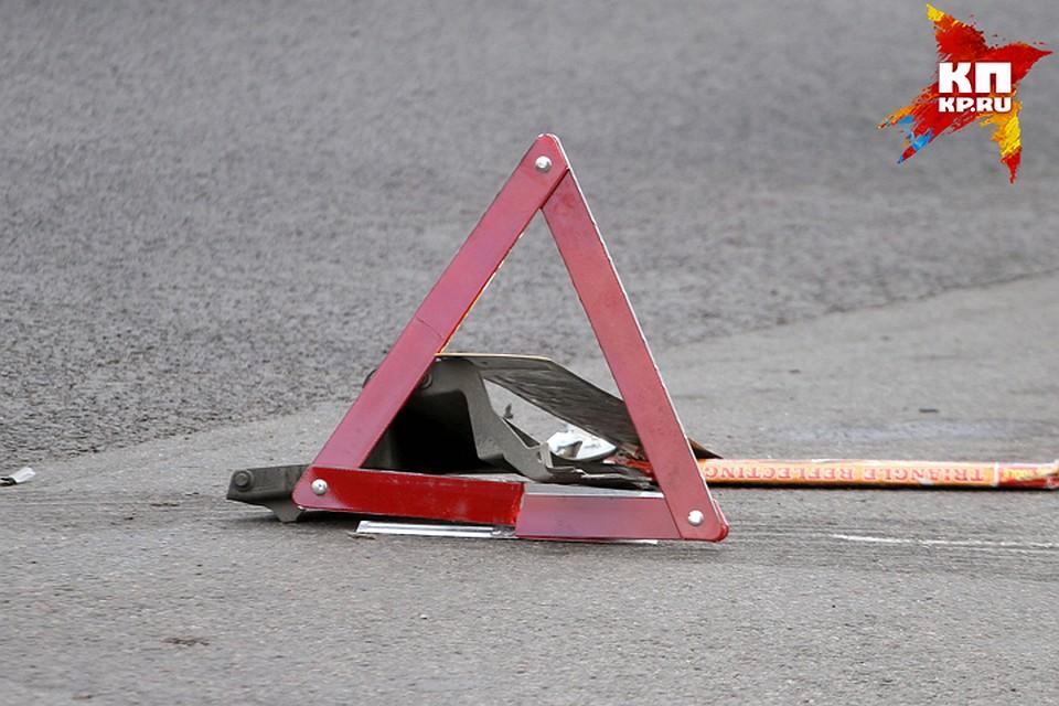 Ночью вБрянске шофёр устроил ДТП и убежал: ранены 2 человека