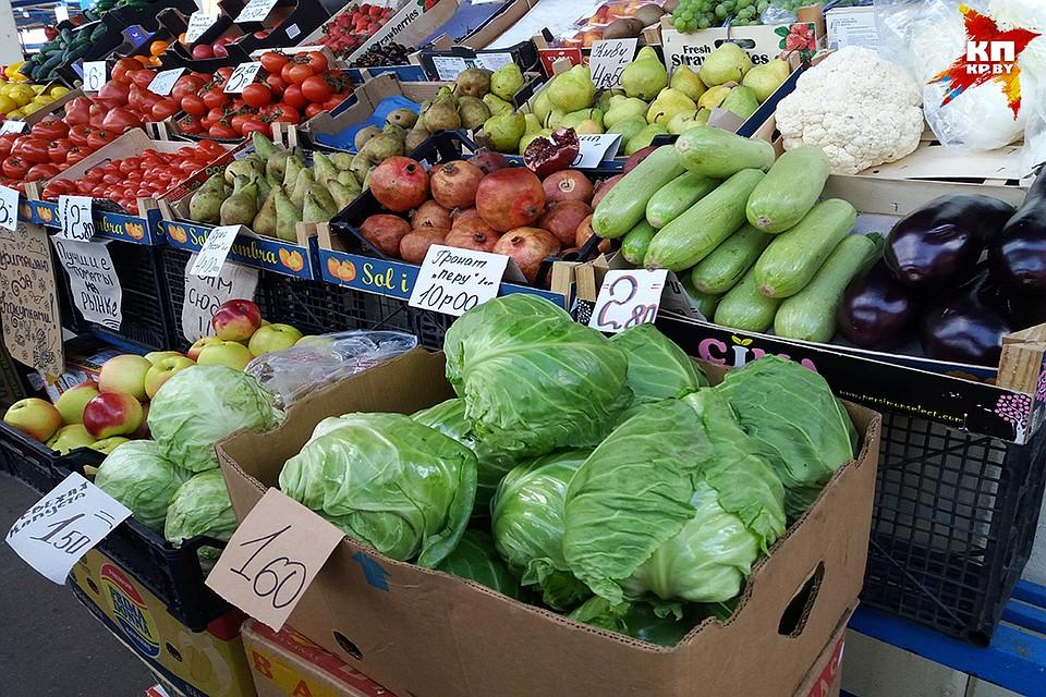 На рынке в Бресте продают польские помидоры, украинский картофель и испанские абрикосы