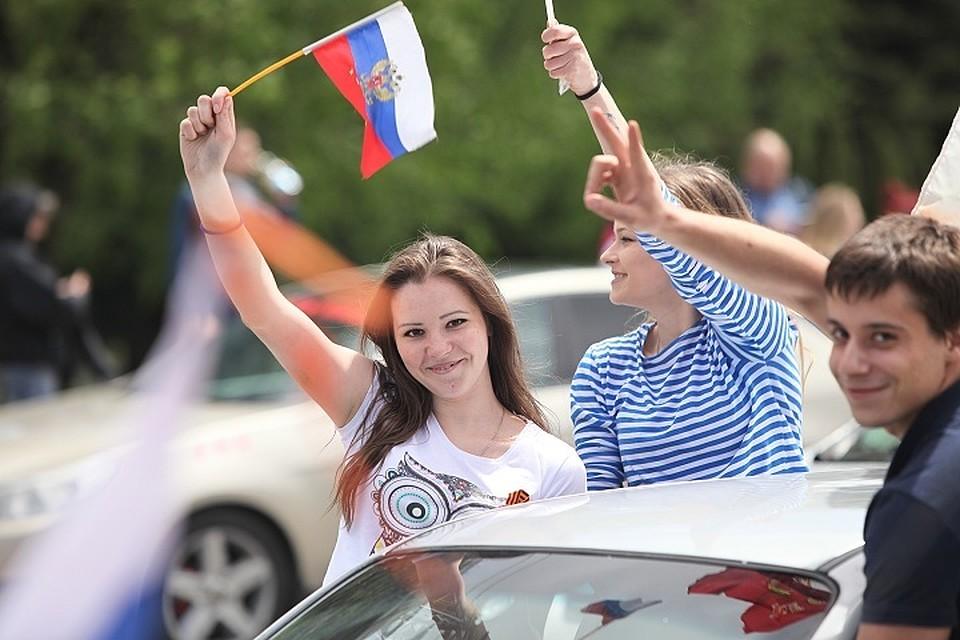 День Российской Федерации вВологде: бесплатная лотерея, байк-шоу иконцерт «Мамульки бенд»