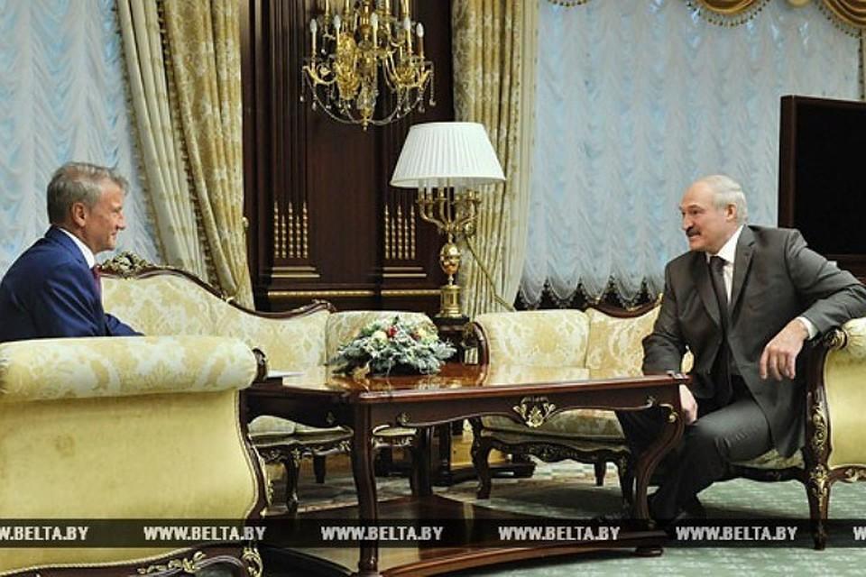 Лукашенко предложил Сбербанку активней работать в Беларуси