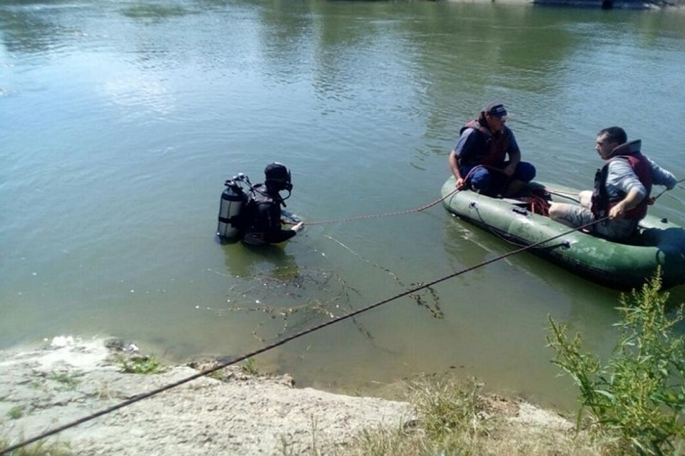 ВСтавропольском крае водолазы ведут ищут утонувшего ребёнка