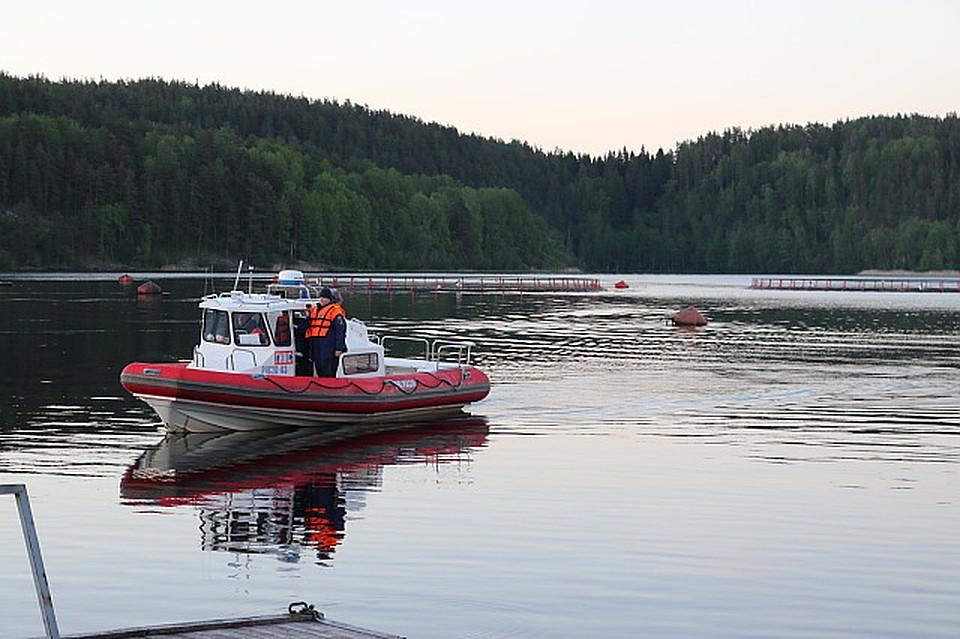 Пропавших наозере вКарелии молодых людей ищут вертолеты