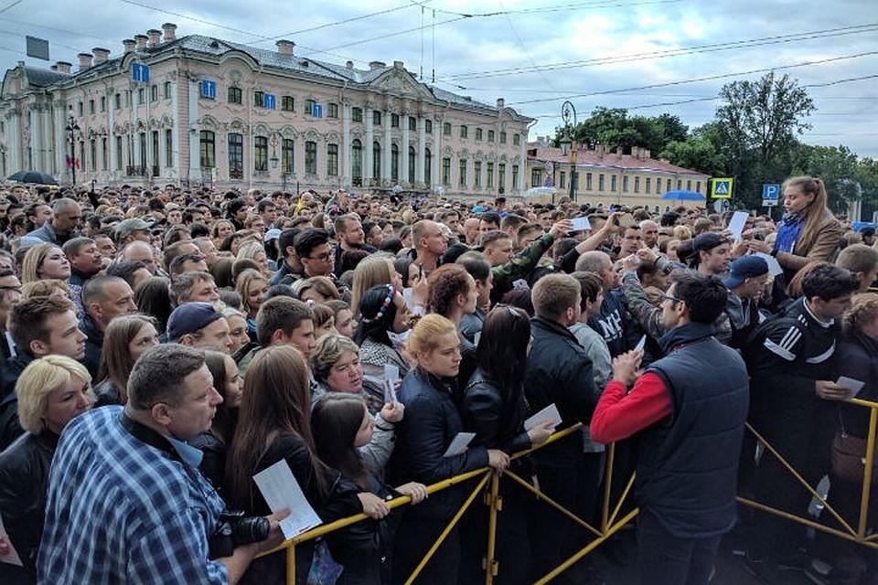 Вгуляньях на«Алых парусах» участвовали 2 млн человек— милиция Петербурга