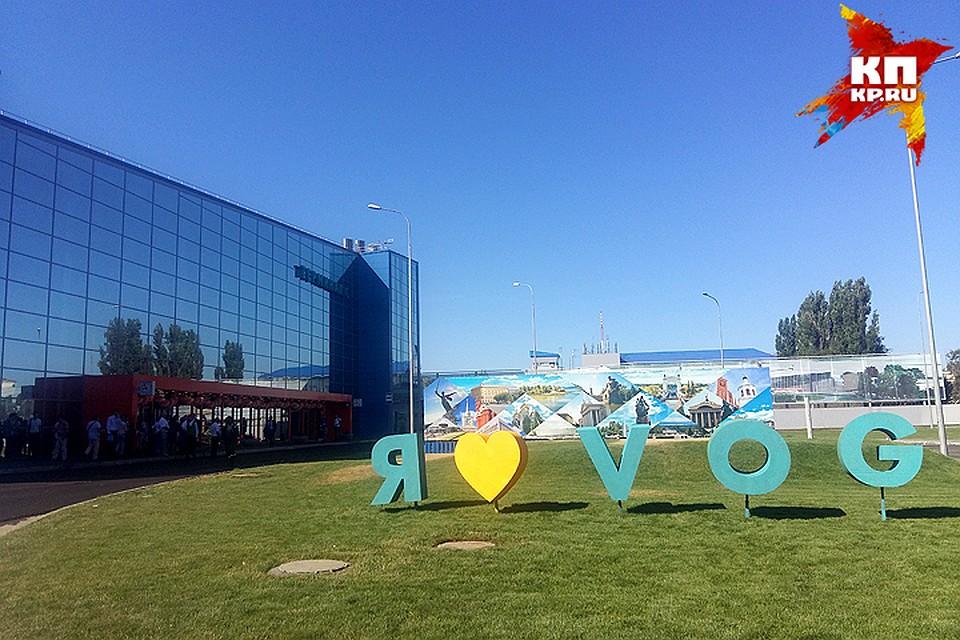 Ваэропортах задержаны десятки рейсов— Ненастье в столице России