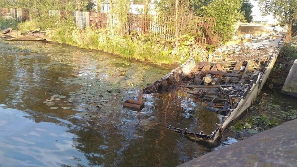 Водном изводоемов Калининграда найден  разлив нефтепродуктов