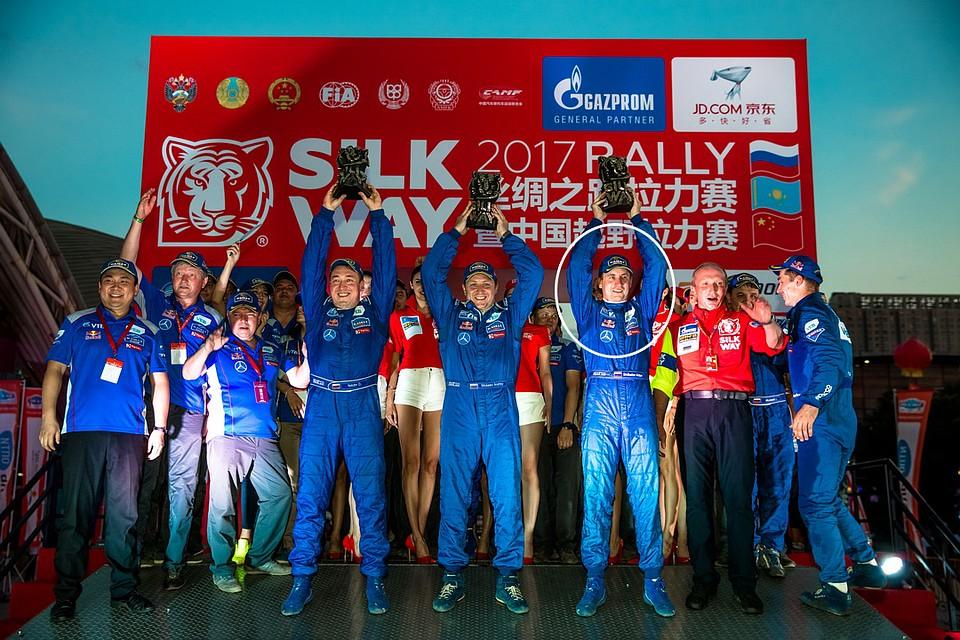 Единственный казахстанский экипаж взачете джипов стал победителем ралли «Шелковый путь»