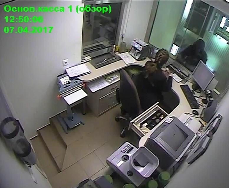 ВИжевске задержали мужчину, который ограбил отделение банка наулице Труда