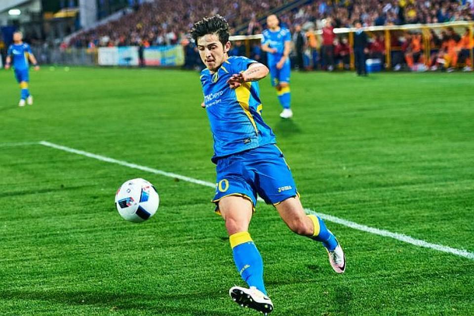 Иранская федерация футбола: Азмун переходит в«Лацио» за эвро 18 млн