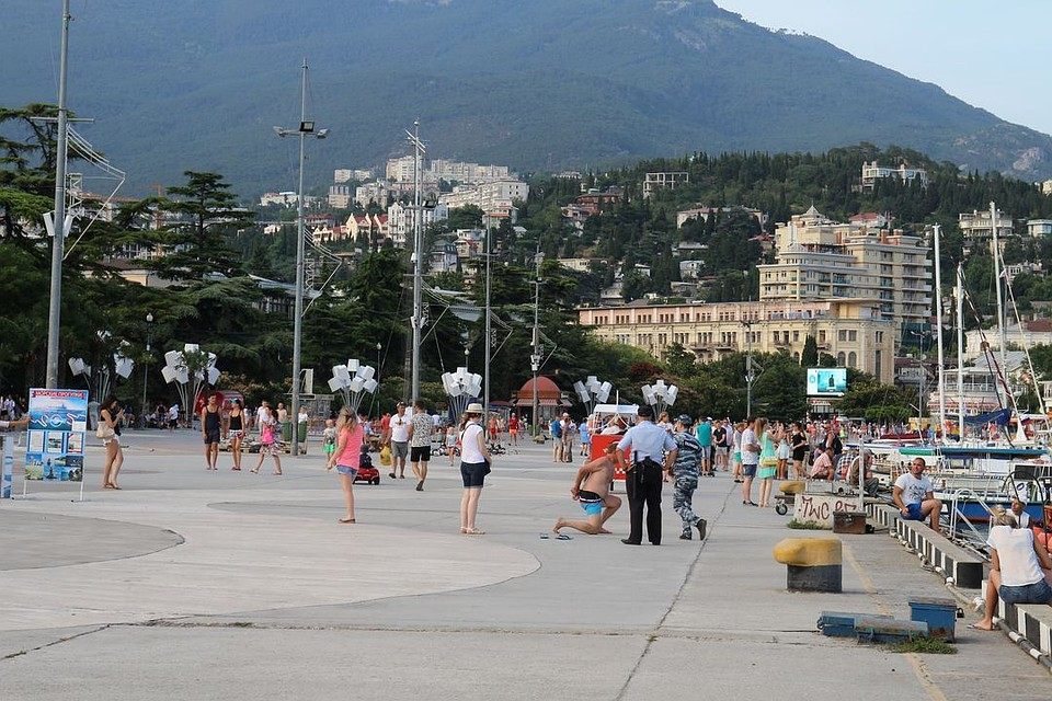 Вкрупных городах Крыма отключилось электричество