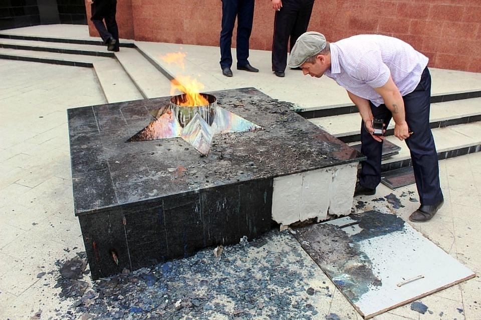 ВЮжноуральске пойдут под суд осквернители монумента героям войны