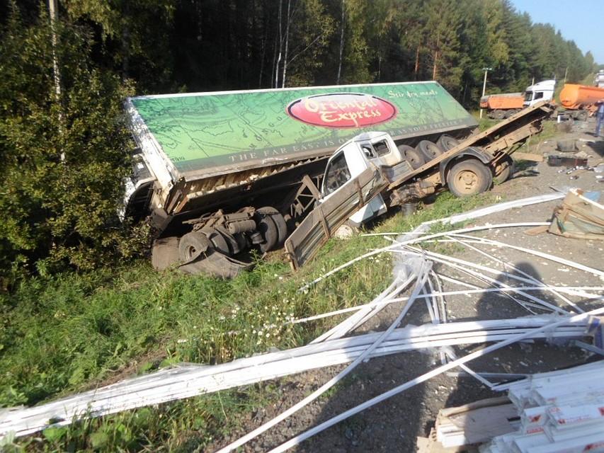 Семь машин столкнулись вПермском крае: есть погибший