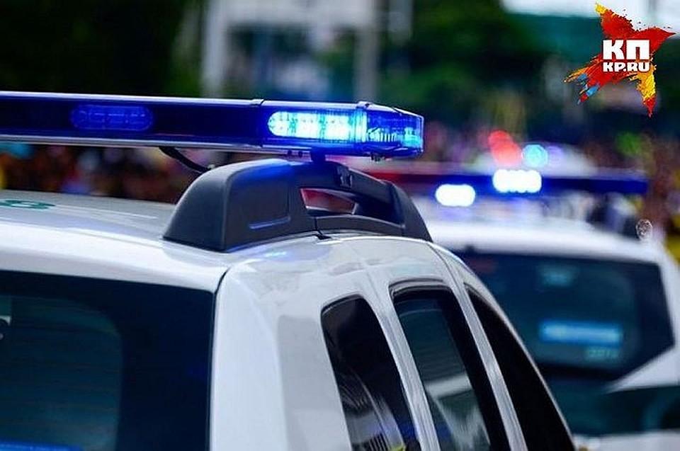 ВПетербурге надетской площадке найдено тело женщины сподбитым глазом