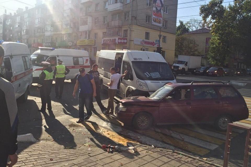 ВБрянске наулице Горького после ДТП потребовалась помощь спасателей