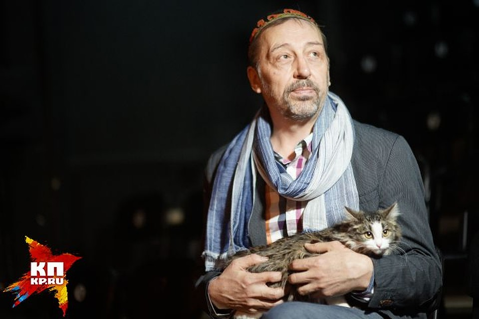 «Помогите встать наноги»: Николай Коляда открывает собственный театр в российской столице