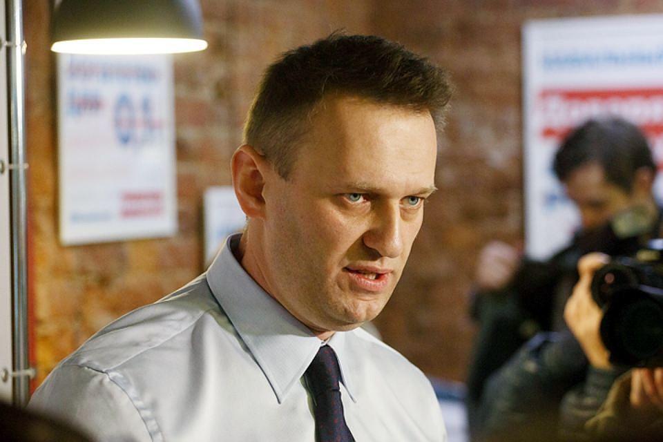 Навального задержали запризывы кучастию в неправомерных акциях