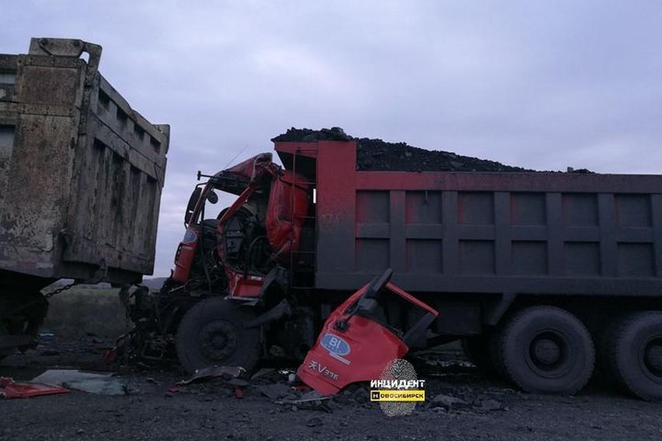Встолкновении фургонов под Новосибирском умер мужчина