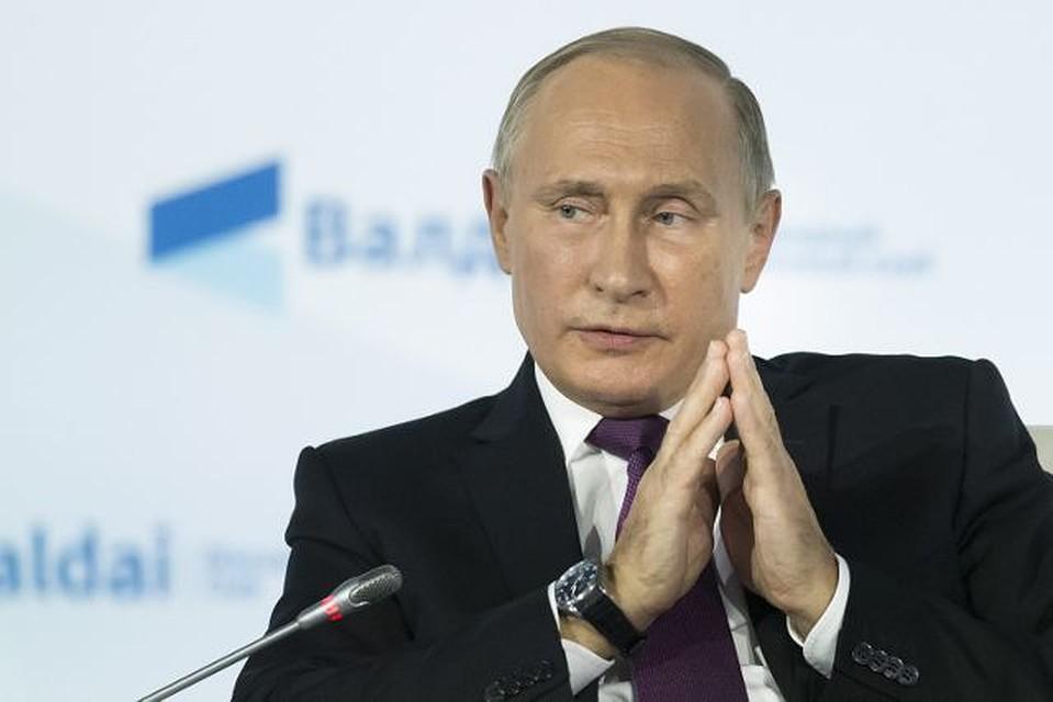 Путин потребовал привлекать правоохранителей кборьбе сзадержкой зарплат