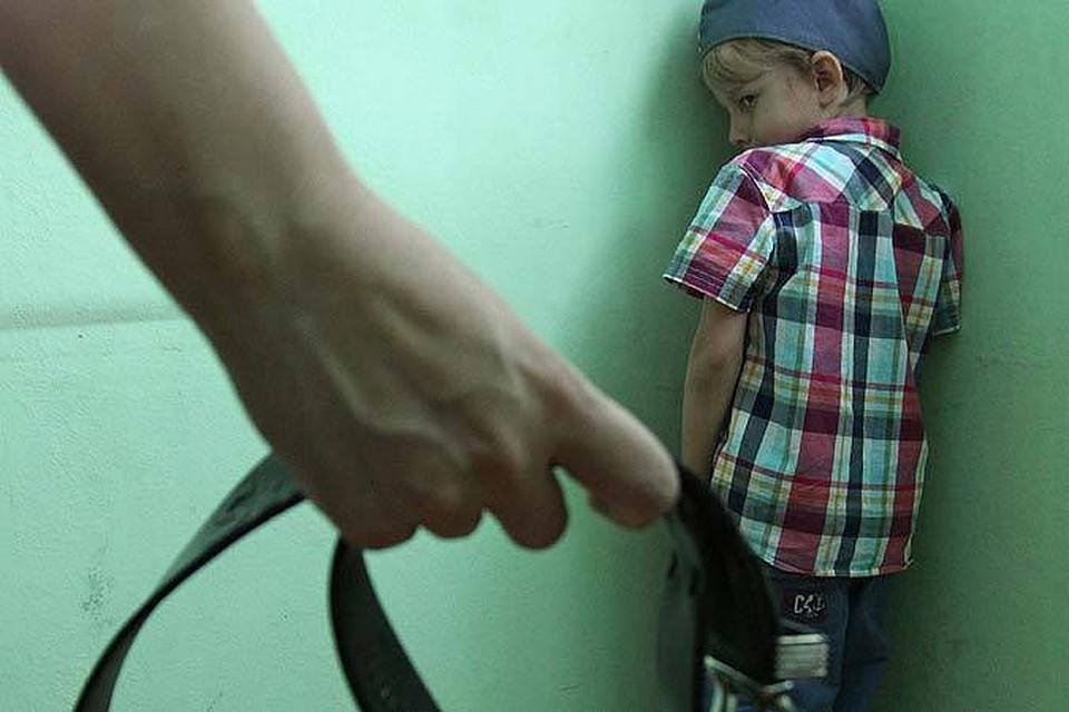 ВВолгоградской области мать била сына шнуром оттелевизора задомашние уроки