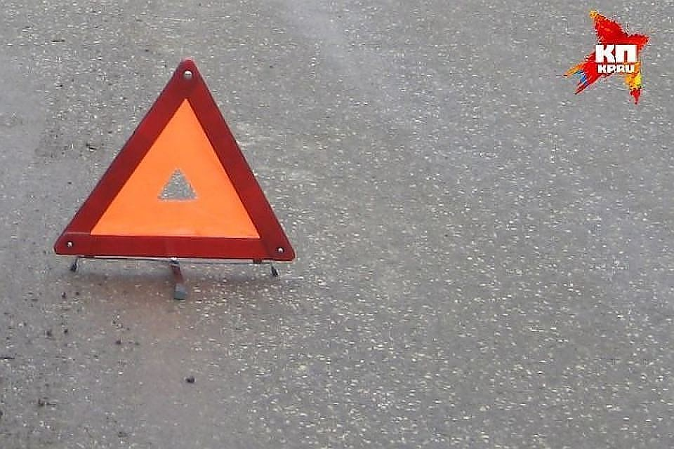 ВКромском районе шофёр на Ауди въехал втепловоз