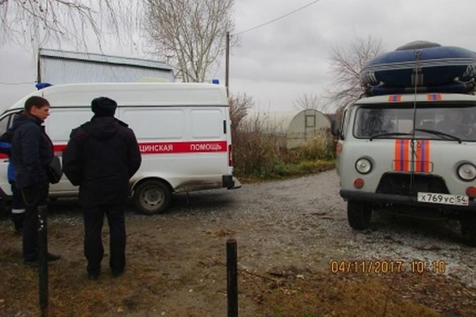 Под Новосибирском дачники спасли рыбака сопрокинувшейся лодки
