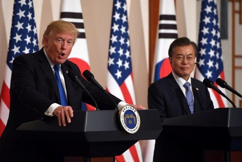 Трамп несмог посетить демилитаризованную зону наКорейском полуострове из-за тумана