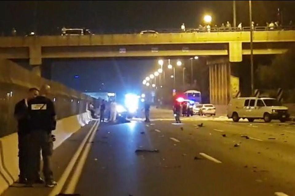 Один человек умер иодин пострадал при взрыве автомобиля вТель-Авиве