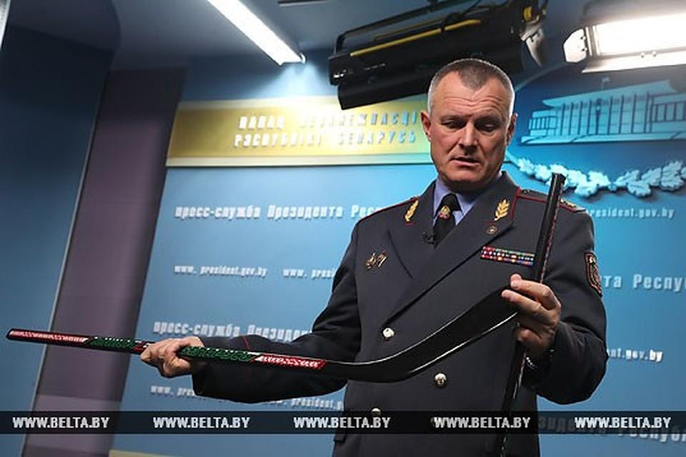 Шуневич продемонстрировал Лукашенко сделанные зэками клюшки