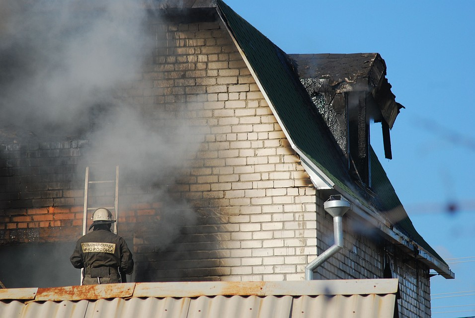 Двое детей погибли при пожаре в личном доме под Волгоградом
