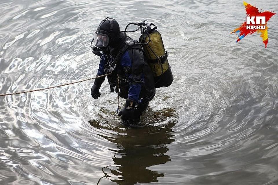 Тела 2-х мужчин отыскали возере вТверской области