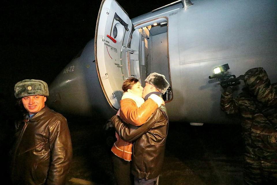 Саратовские летчики вернулись домой изСирии