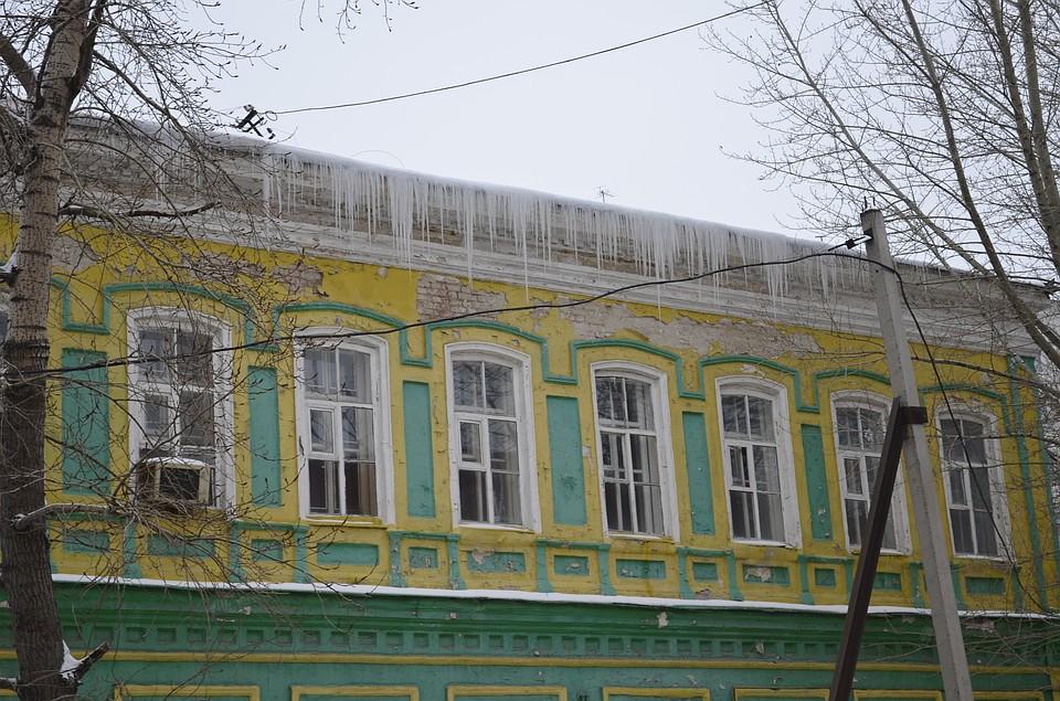 ВУльяновске отсосулек очистили неменее 100 крыш