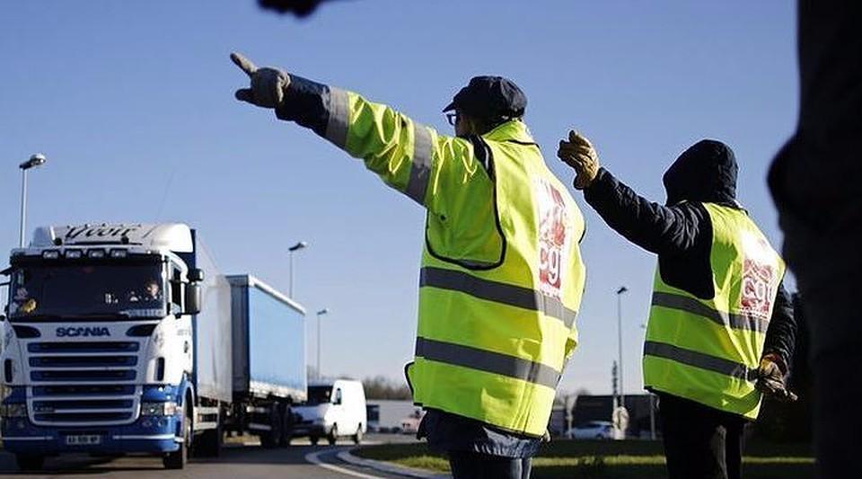 Федерация владельцев автомобилей отреагировала нанорму ПДД осветоотражающей одежде