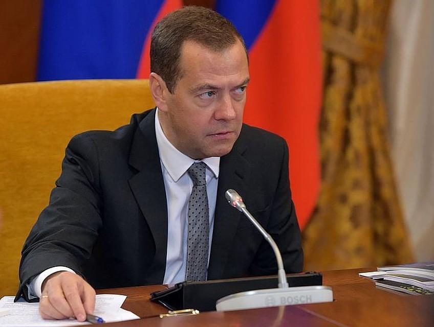 Медведев объявил выговор замглавы Росавиации Олегу Сторчевому