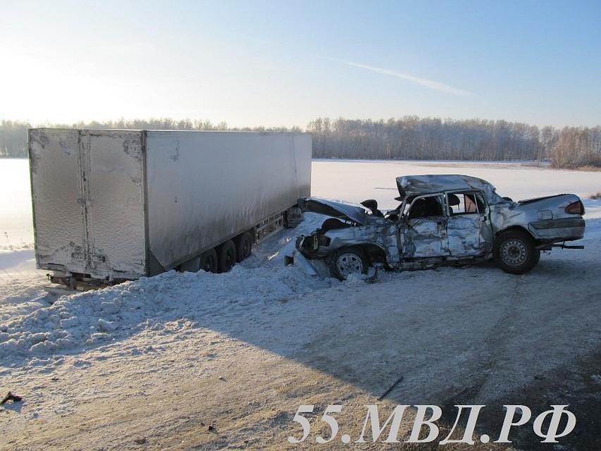 Шофёр «Волги» неуступил дорогу грузовику и умер под его колесами