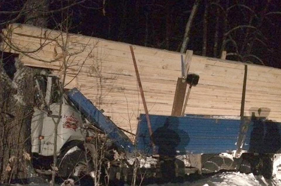 ВБашкирии врезультате дорожно-траспортного происшествия умер шофёр КамАЗа