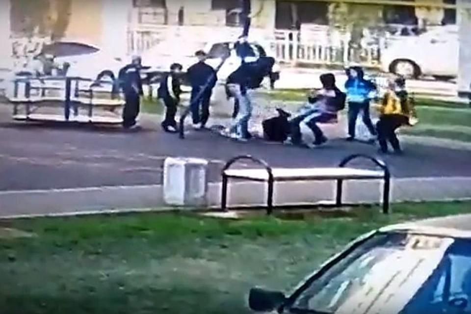 Гражданин Краснодара ответит всуде заизбиение школьников надетской площадке