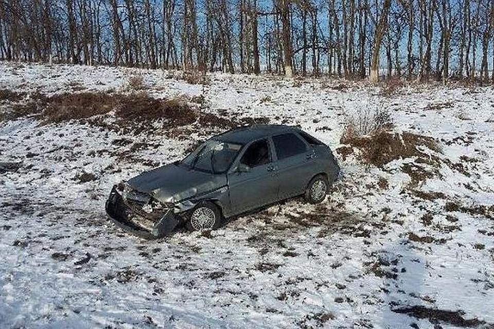 НаСтаврополье из-за поломки легковушки вДТП пострадала девушка