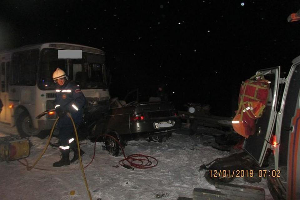 Автоледи погибла встолкновении савтобусом натрассе вНовосибирской области