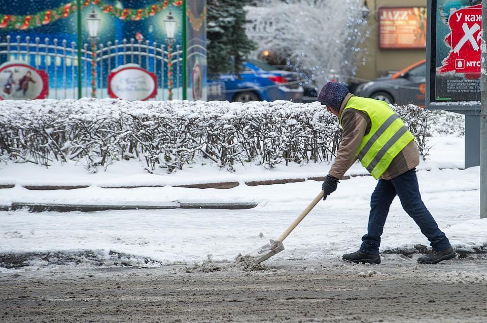 Сулиц Петербурга занеделю вывезли неменее 100 000 кубометров снега